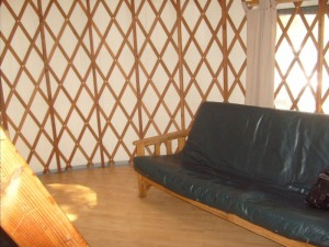 futon bed yurt D champoeg